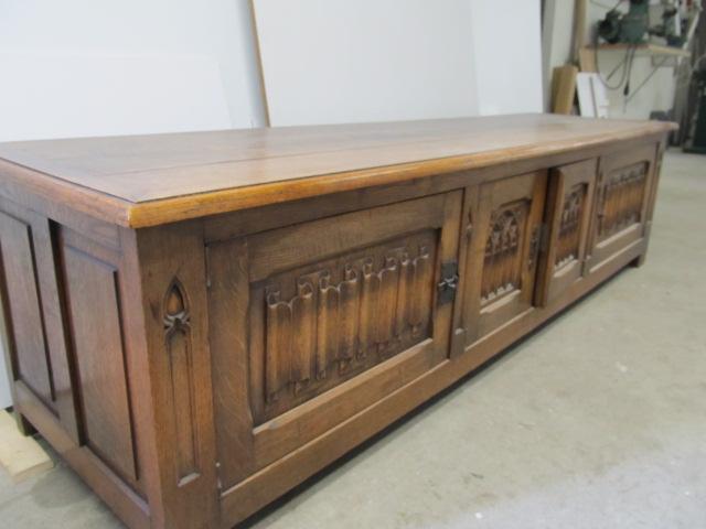 Antiek restauratie kast
